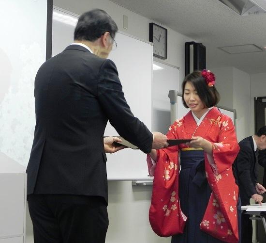 学位記授与2.JPG